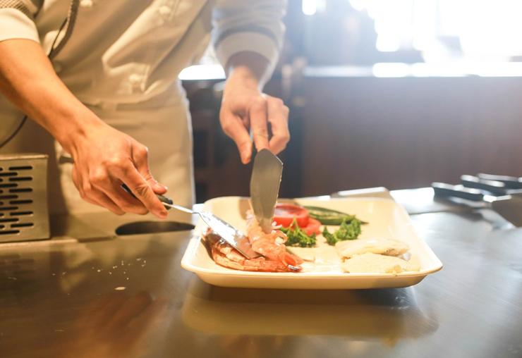 แนวทางการสร้างแบรนด์ ร้านอาหาร ให้โดดเด่นด้วยเว็บไซต์ ที่ Creative ผสมผสานการตลาดดิจิทัล
